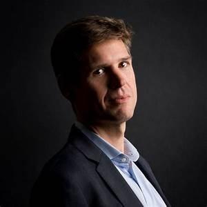 Investimento de impacto: uma entrevista com o CEO da Palladium, Christopher Hirst